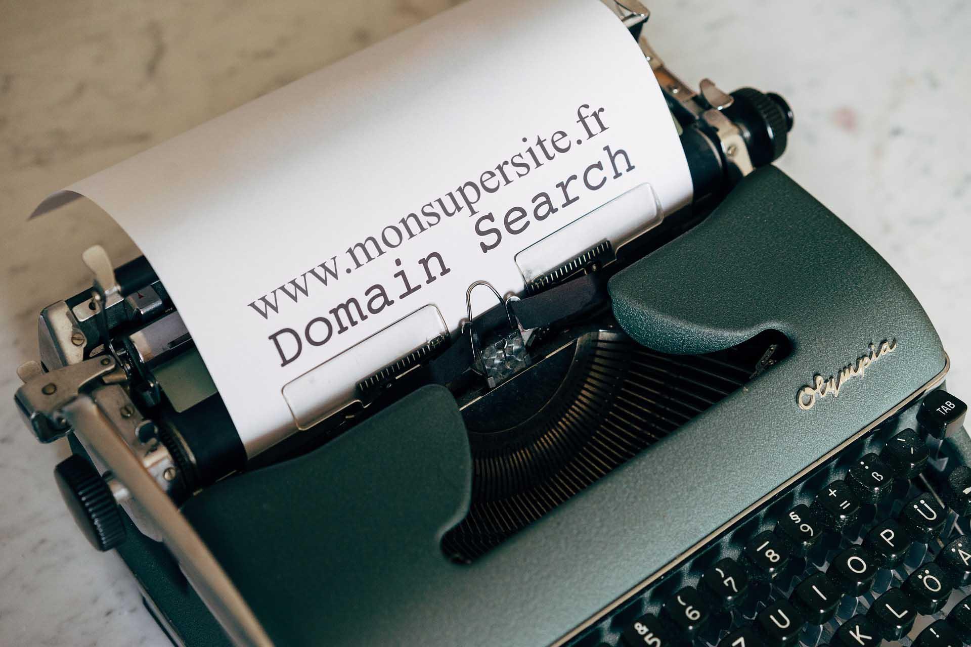 Déposer, réserver, créer et acheter son nom de domaine