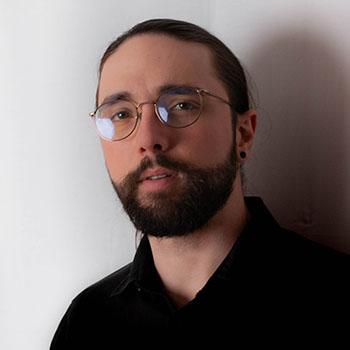 Portrait de Tiphaine Istria, dirigeant de l'agence de communication web WeComm